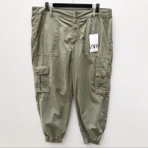 Zara 40 / 12 Khaki Cropped Cuffed Cargo Pants NEW